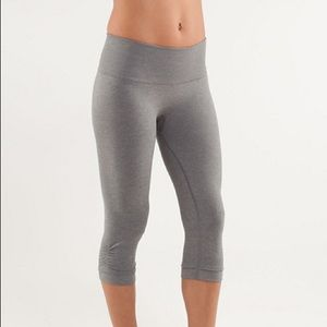 Lululemon in the flow crop